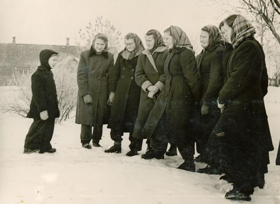 Pearu teeb eksursiooni 1958